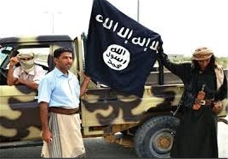 """سقوط مدیریة الریدة بـمحافظة حضرموت الیمنیة بید القاعدة تحت مرأى """"تحالف"""" العدوان السعودی"""