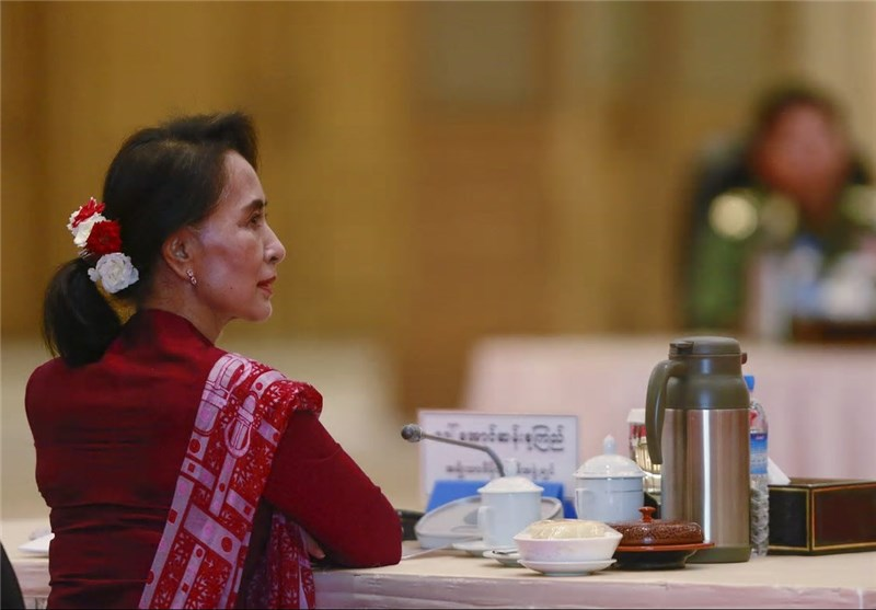 Myanmar's Suu Kyi Denies Ethnic Cleansing of Rohingya Muslims