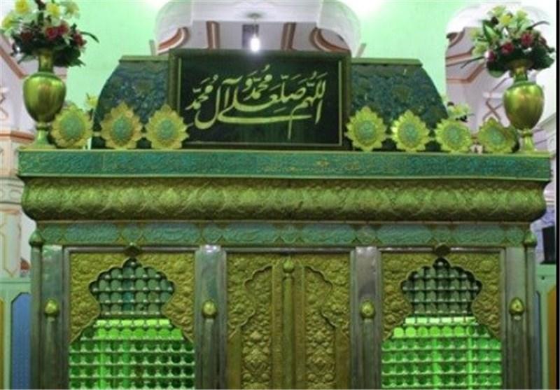 آستان «سبزقبا» در دزفول در آستانه میلاد امام رضا(ع) غبارروبی شد