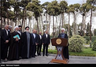 حاشیه آخرین جلسه هیئت دولت در سال 94