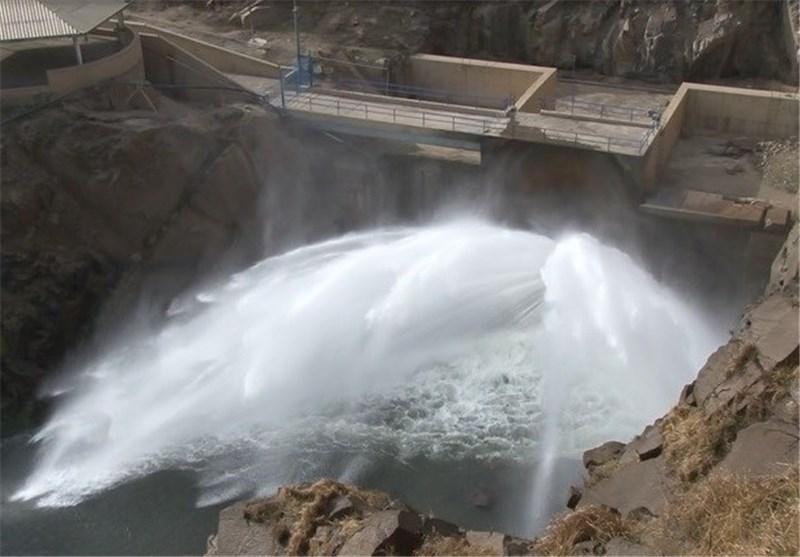 پدیدهای به نام آبفروشی در استان فارس؛ رهاسازی 115 میلیون مترمکعب آب برای کشاورزان