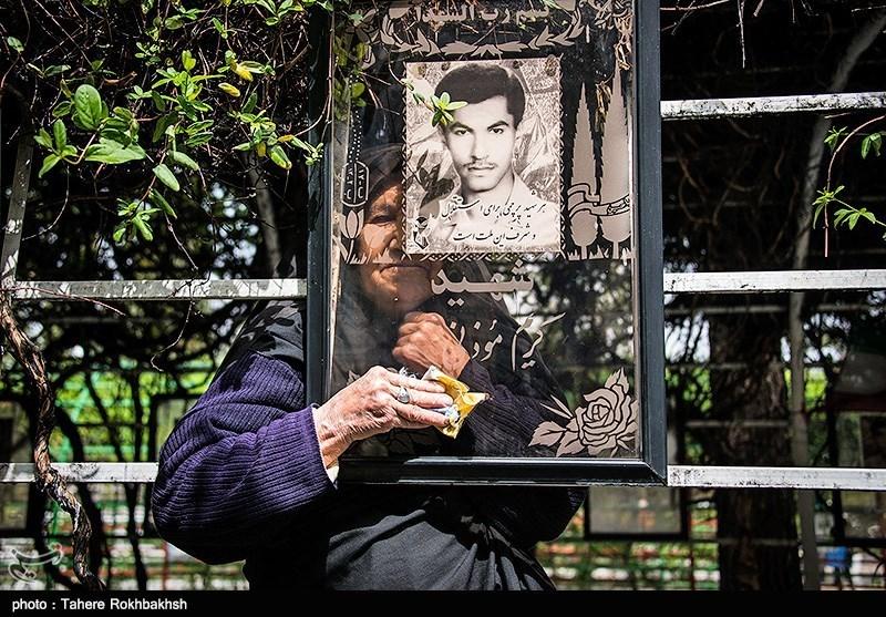 پنج شنبه آخر سال در گلزار شهدای شیراز
