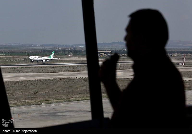 """بحران در پروازهای """"فرودگاه مشهد"""" ادامه دارد/ """"ماهان"""" برای بار دوم یخزدایی میکند!"""