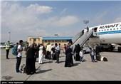 """هواپیمایی""""معراج"""" هم از """"آتا"""" و """"ماهان"""" عقب نماند/ حال برخی مسافران وخیم است؛ مدیران فرودگاه مشهد پاسخگو نیستند"""