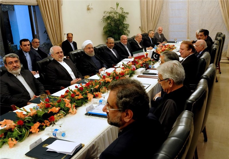 Iran Ready to Boost Annual Trade with Pakistan to $5bln: President