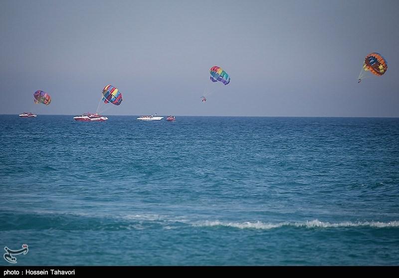 تفریحات دریایی گردشگران جزیره کیش