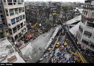 انهیار جسر فی الهند