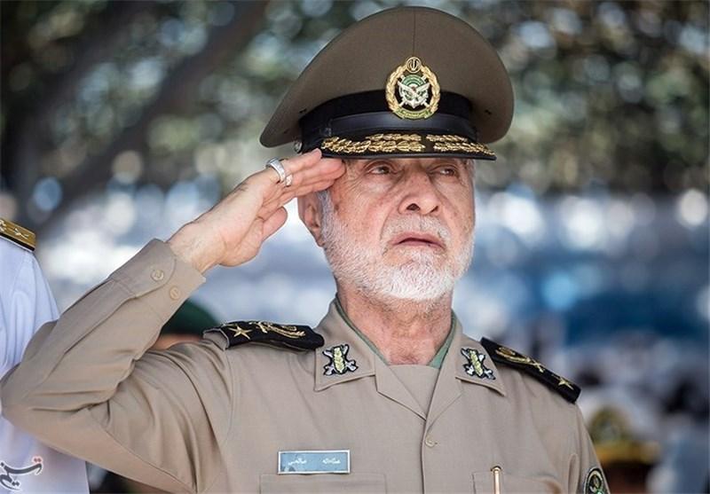 فرمانده کل ارتش از پایگاه هوایی شهید دوران بازدید کرد