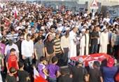 حضور هزاران بحرینی خشمگین در مراسم تشییع جوان 17 ساله + فیلم و عکس