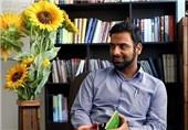 عرفانپور: به ابتذال محتوایی دچار شدیم/انتشار شعر با اغلاط فاحش املایی