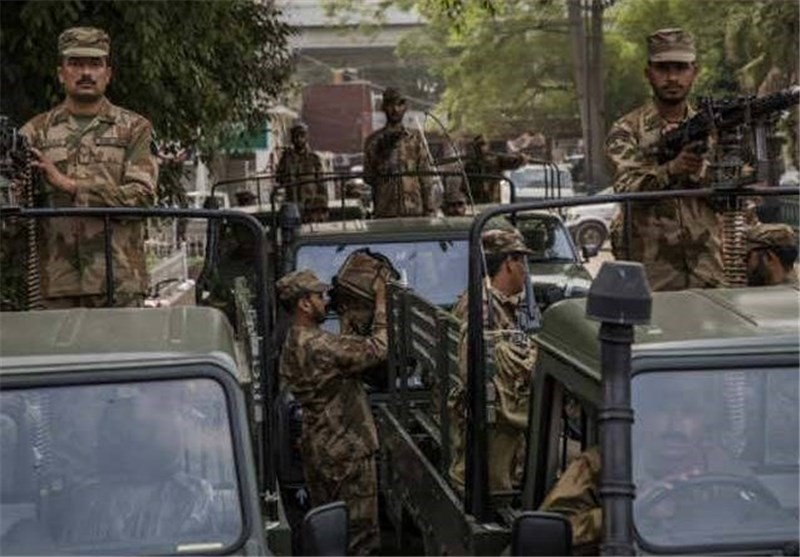 Pakistan Army Takes Over Operation to Flush Gang from Island Stronghold