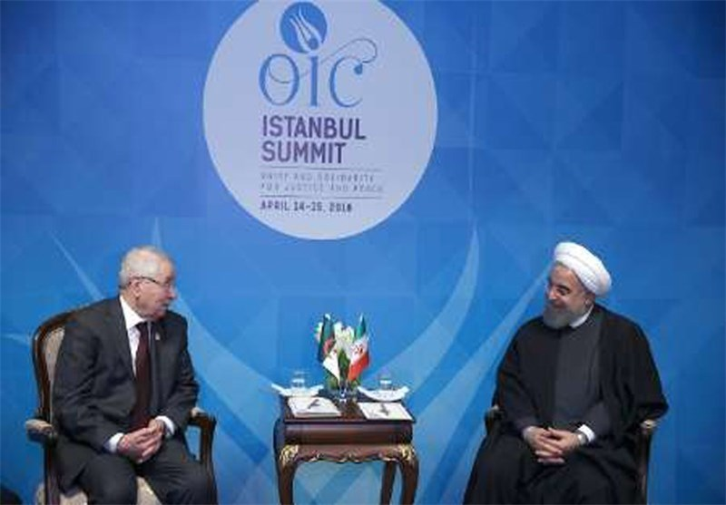 Iran's Rouhani Calls for Cooperation on Regional Peace