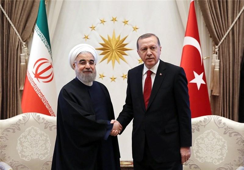 Iran, Turkey Sign 8 Documents to Boost Ties