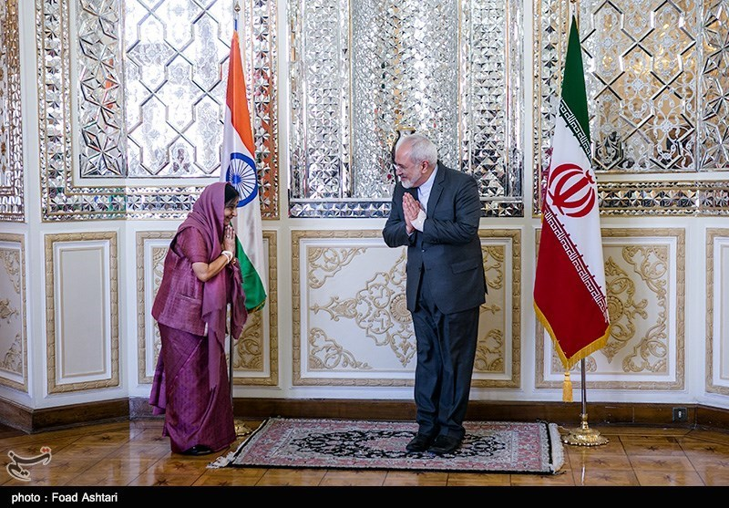 Iranian, Indian FMs Discuss Boosting Bilateral Ties