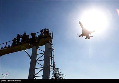 فرود جنگنده فانتوم اف 4 در فرودگاه مهرآباد