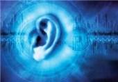 چه عواملی سبب اختلال در شنوایی و گفتار نوزاد میشوند؟