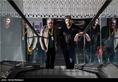 امیرحسین ثقفی کارگردان سینما و پدرش علیاکبر ثقفی در اولین روز سی و چهارمین جشنواره جهانی فیلم فجر