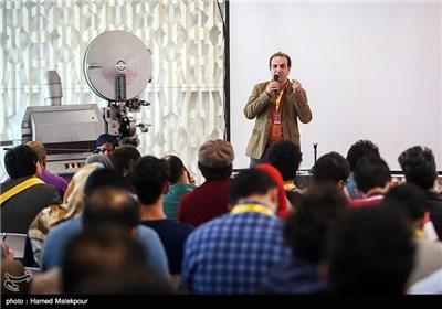 کارگاه فیلمنامهنویسی مهران کاشانی در اولین روز سی و چهارمین جشنواره جهانی فیلم فجر
