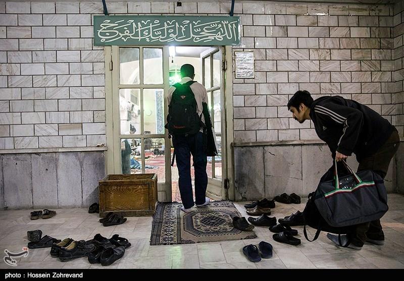 اولین روز مراسم معنوی اعتکاف در مسجد جامع بازار تهران