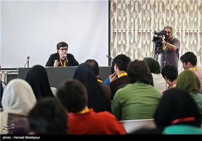 کارگاه آموزشی مجید برزگر در چهارمین روز سی و چهارمین جشنواره جهانی فیلم فجر