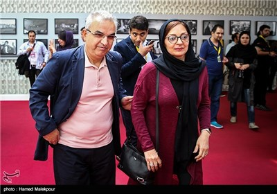 ابوالحسن داوودی و همسرش بیتا منصوری در چهارمین روز سی و چهارمین جشنواره جهانی فیلم فجر