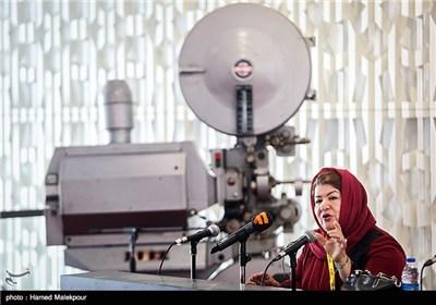 کارگاه آموزش فیلمسازی پوران درخشنده در چهارمین روز سی و چهارمین جشنواره جهانی فیلم فجر
