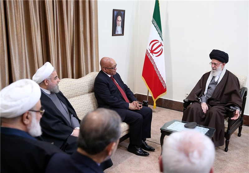 Leader Underlines Closer Ties among Independent States