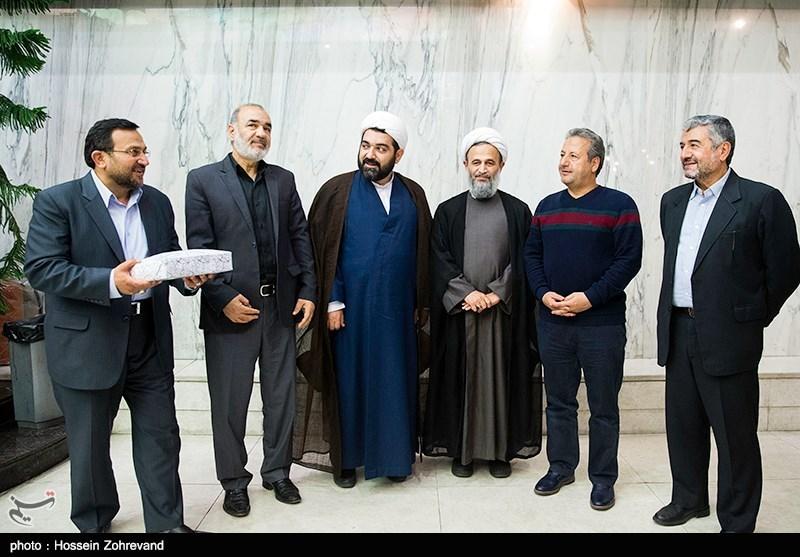 """اکران فیلم سینمایی """"یتیمخانه ایران"""" و تقدیر از کارگردان"""