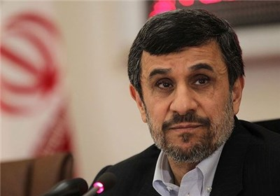 محمود احمدی نژاد برای انتخابات ریاست جمهوری ثبت نام کرد