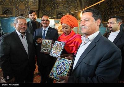 South Africa's Zuma Visits Iran's Isfahan