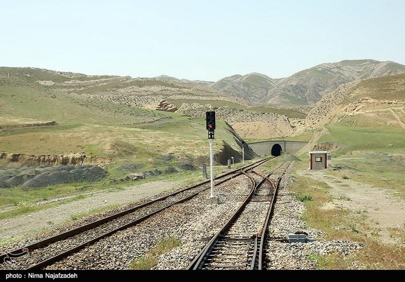 بازدید خبرنگاران از محور ریلی مشهد-سرخس