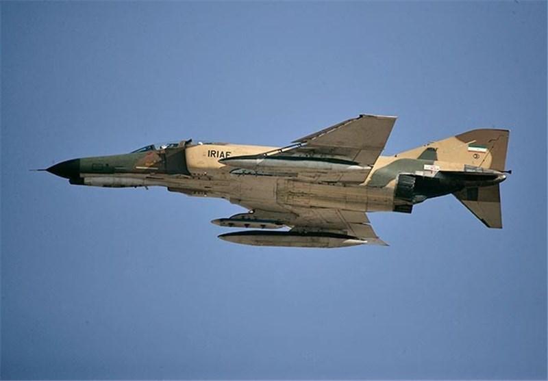 Training Jet Crashes in SE Iran