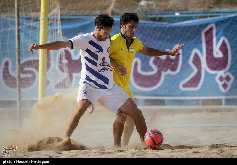 دیدار تیمهای فوتبال ساحلی دریانوردان بوشهر و پدیده کاسپین ساری