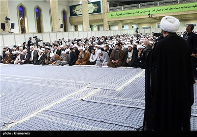 مجلس عزاء في ذکرى استشهاد الإمام الکاظم (ع) بحضور قائد الثورة في حسینیة الامام الخمینی (رض)
