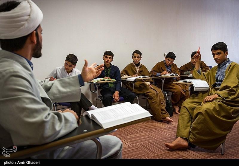 بیش از 100 طلبه در حوزه علمیه سفیران هدایت قاین تحصیل میکنند