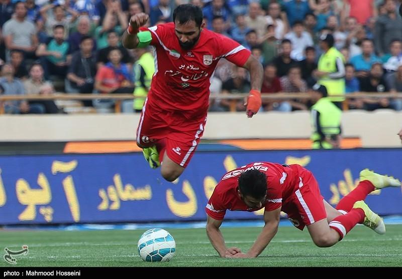 دیدار تیم های فوتبال استقلال و تراکتور سازی تبریز (2)