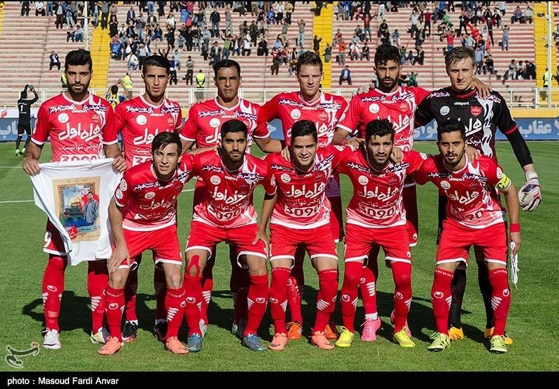 دیدار تیم های فوتبال گسترش فولاد و پرسپولیس