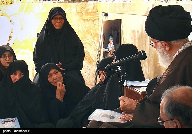 دیدار خانواده شهدای مدافع حرم افغانستانی با رهبرمعظم انقلاب