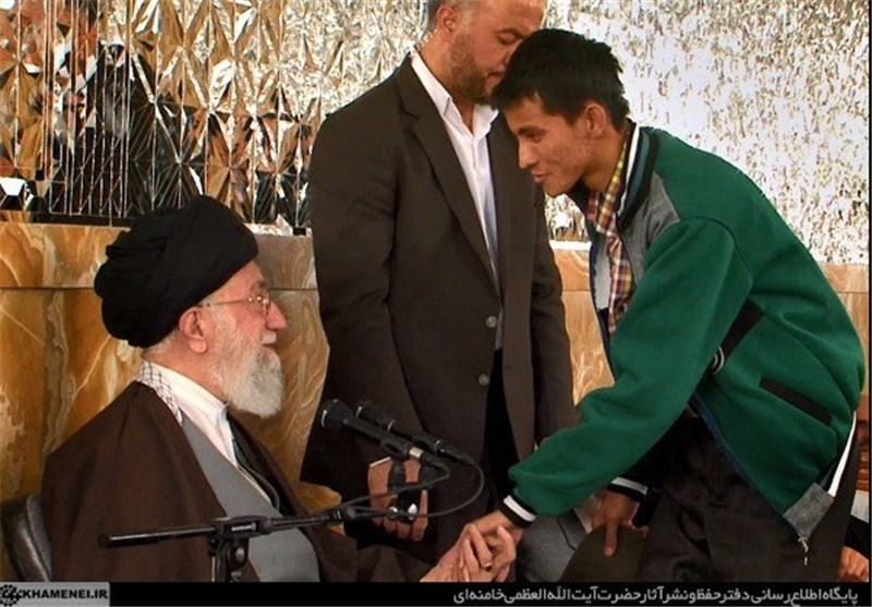 دیدار عیدانه خانواده شهدای «فاطمیون» با رهبر معظم انقلاب+فیلم