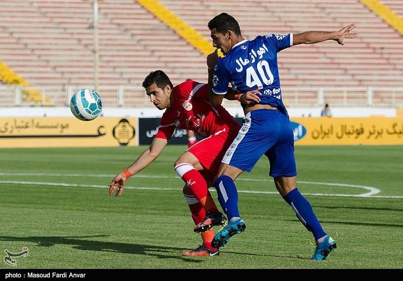 دیدار تیمهای فوتبال تراکتورسازی تبریز و استقلال اهواز