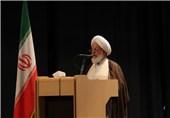 یزد| دشمنان میخواهند هیچ اثری از اسلام ناب و شیعه حقیقی در جهان وجود نداشته باشد