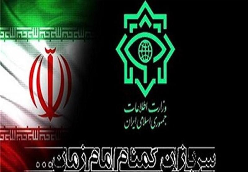 دلنوشتههای دانش آموزان اردبیلی برای سربازان گمنام امام زمان(عج)