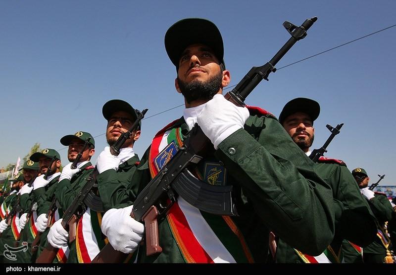 توسعه تفکر انقلابی در میان جوانان شاغل در نیروهای مسلح ضروری است