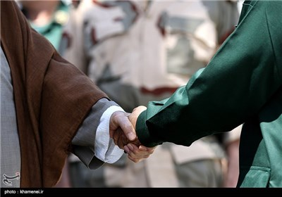 الإمام الخامنئی یرعى مراسم تخریج دفعة جدیدة من ضباط الحرس الثوری