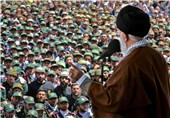 نگاهی به ویژگیهای مکتب امام روحالله (ره) از نگاه امام خامنهای