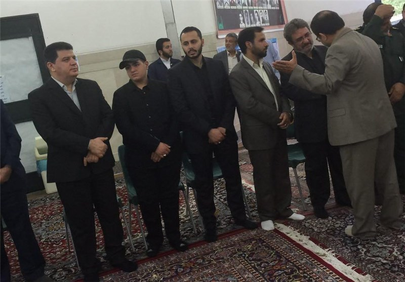 مراسم تأبین للشهید بدرالدین فی طهران بحضور نجله + صور