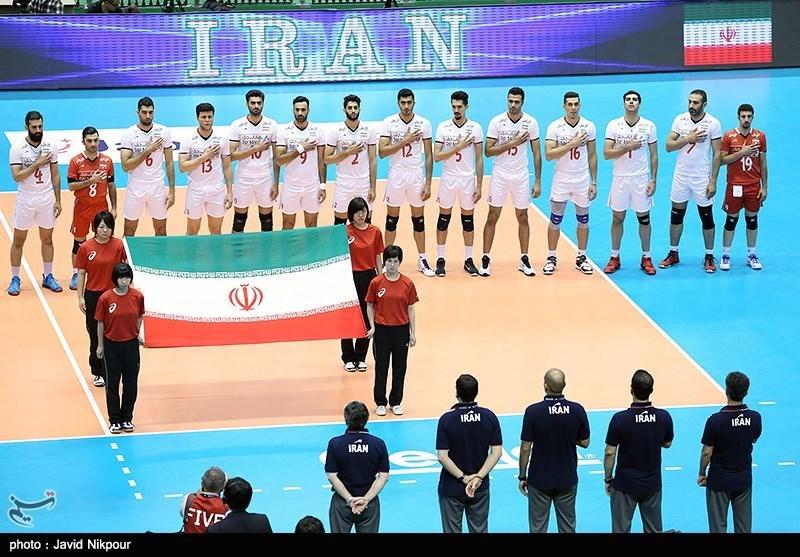 المنتخب الوطني الإيراني لكرة الطائرة يواجه نظيره الاسترالي
