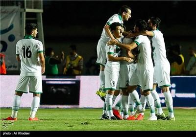 دیدار تیم های فوتبال ذوب آهن و استقلال - خرمشهر