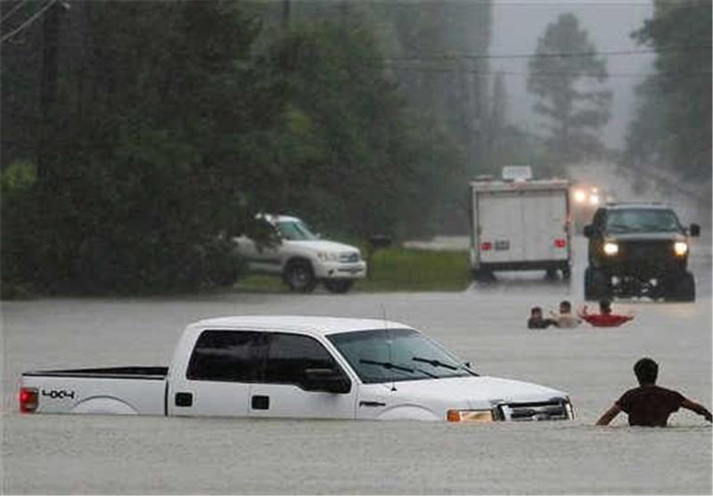 سیل در تگزاس و کانزاس ۶ کشته و دو مفقود بر جای گذاشت + تصاویر