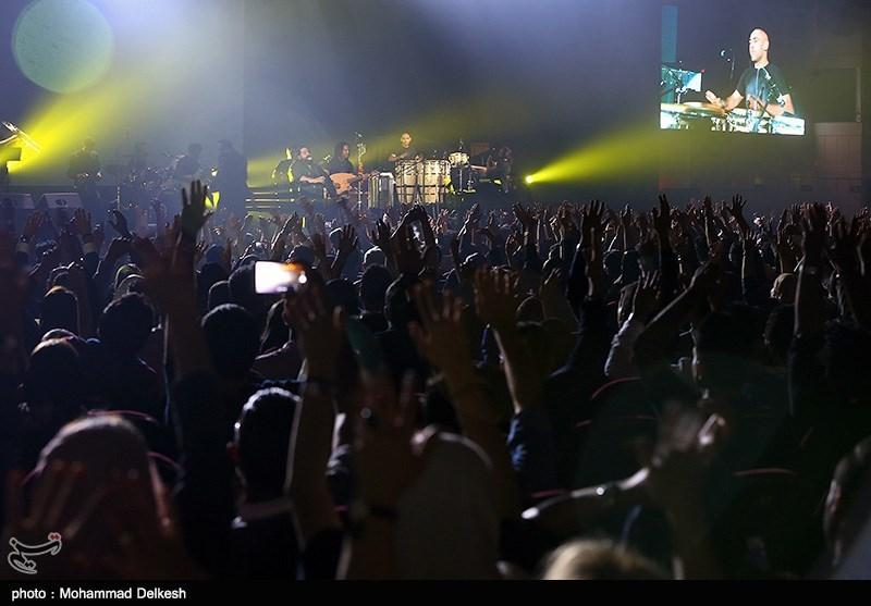 کنسرت رضا صادقی در مرکز همایش های میلاد